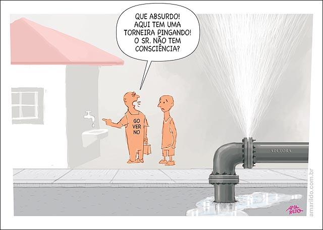 Agua Falta seca adutora vazando governo cobra consumidor torenira pingando