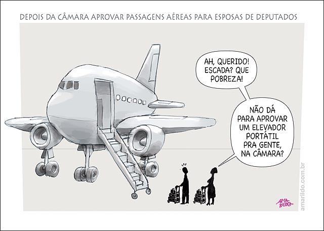 Camara aprova passagem de aviao para esposa de deputados aviao embarque elevador portatil B