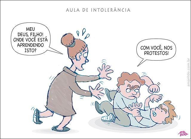 Educacao Violencia Escola Carteira professora Briga Luta